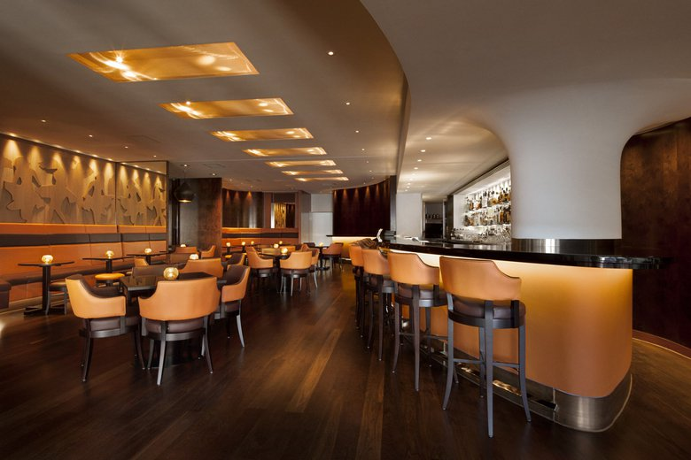 Metropolitan London - Dining - Met Bar Interior 1